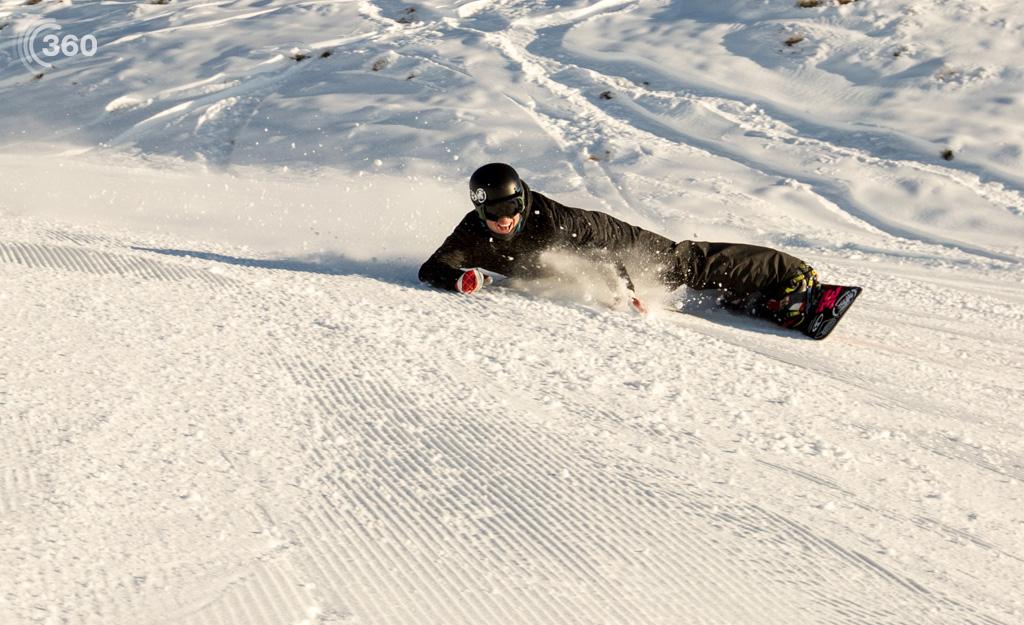 Snowboarding Richie Johnston